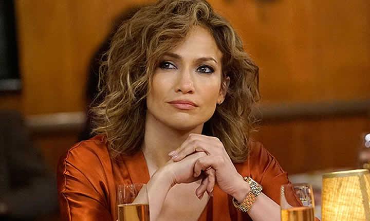 Jennifer López subastará su vestuario para ayudar a damnificados