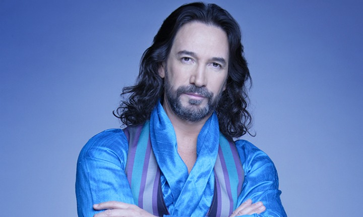 Marco Antonio Solís homenajeó a Juan Gabriel en concierto