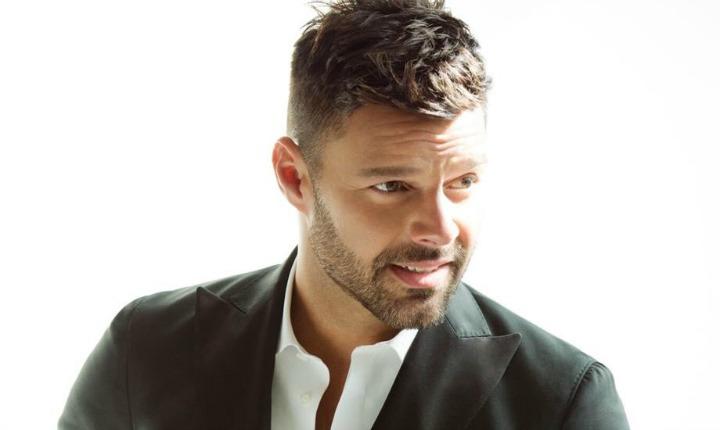 ¿Estarías dispuesta a pagar por un beso de Ricky Martin?