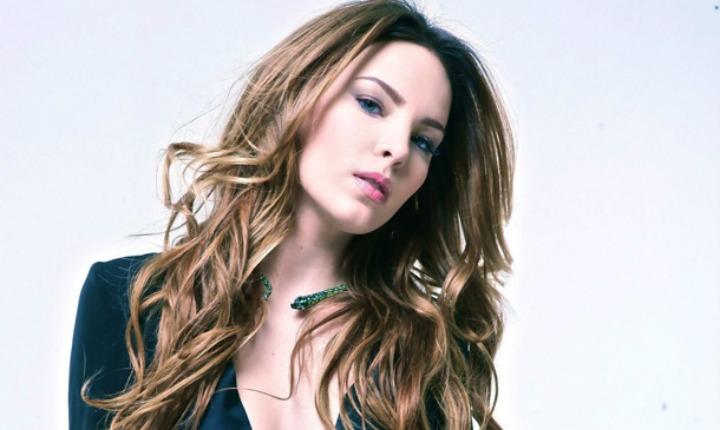 Sexy actor de Hollywood quiere todo con Belinda