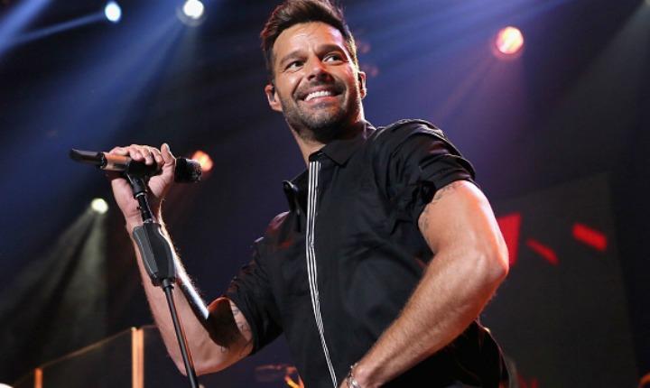 Ricky Martin se le midió a cantar éxitos de salsa