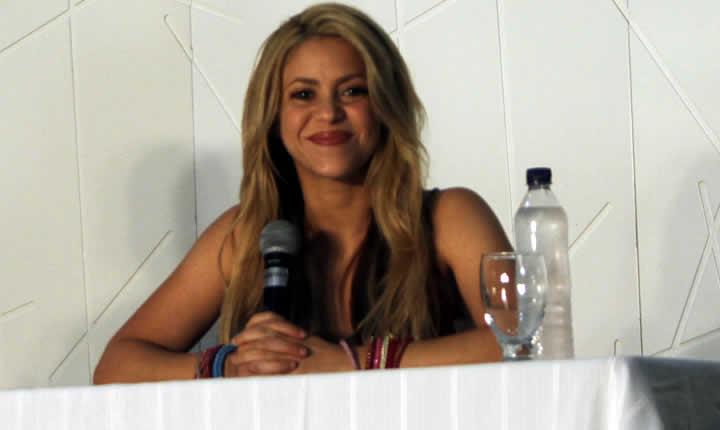 !Gracias Shakira por siempre tener tiempo para tú Radio Tiempo¡