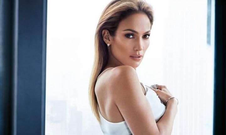 Jennifer López deslumbra como imagen de prestigiosa marca