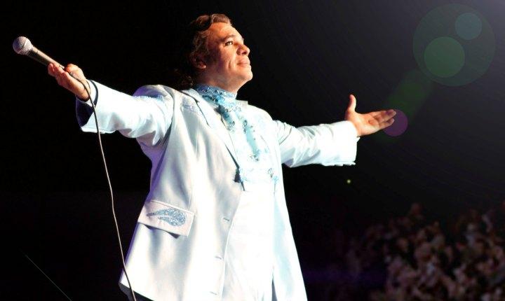 Estrenan video 'Si Quieres' de Juan Gabriel