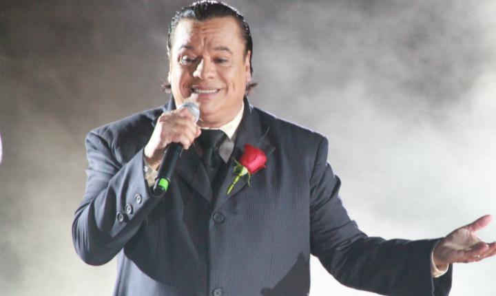 Exmánager de Juan Gabriel asegura que el cantante está vivo