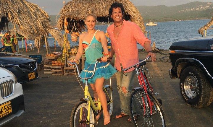 Shakira y Carlos Vives pusieron a los niños a bailar 'La Bicicleta'