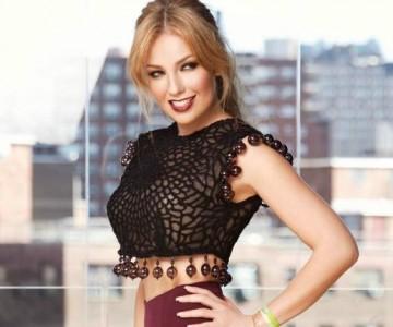 Thalía dictó clases de yoga a sus seguidores