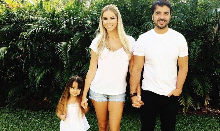 Con una tierna foto, Luis Fonsi agradece por su familia