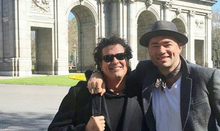 Santiago Cruz y Carlos Vives pasean juntos por España