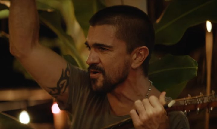 Juanes comparte la cena con actriz de Hollywood