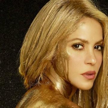 Polémica entre fans de Shakira por venta de collar con símbolo nazi